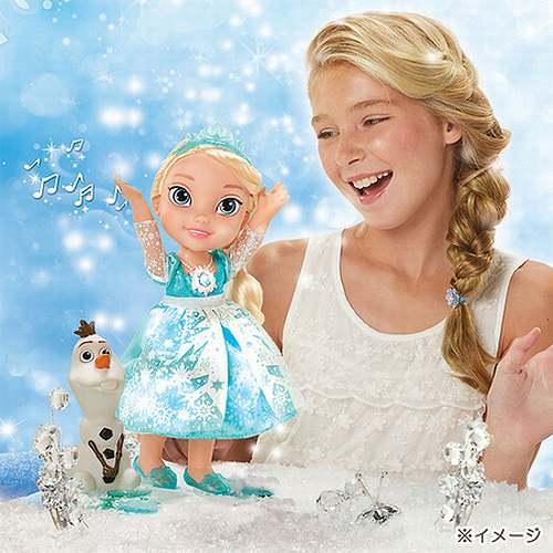 """国内初導入となるこの人形は、今年8月中旬に米国で発売後、瞬く間に大ヒット... """"レリゴー""""歌う"""